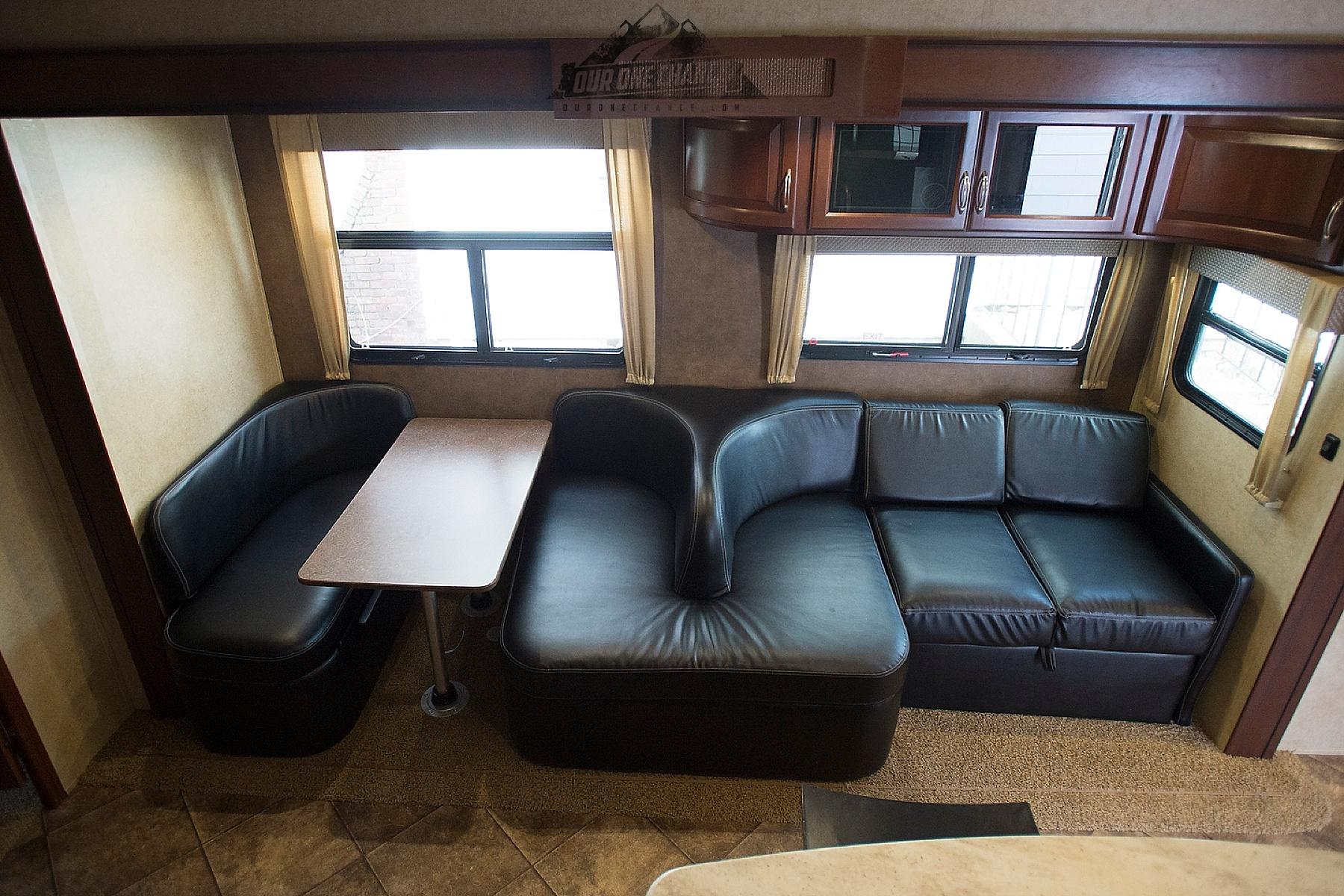 Bay Hill Fifth Wheel RV Living Room Remodel_0001