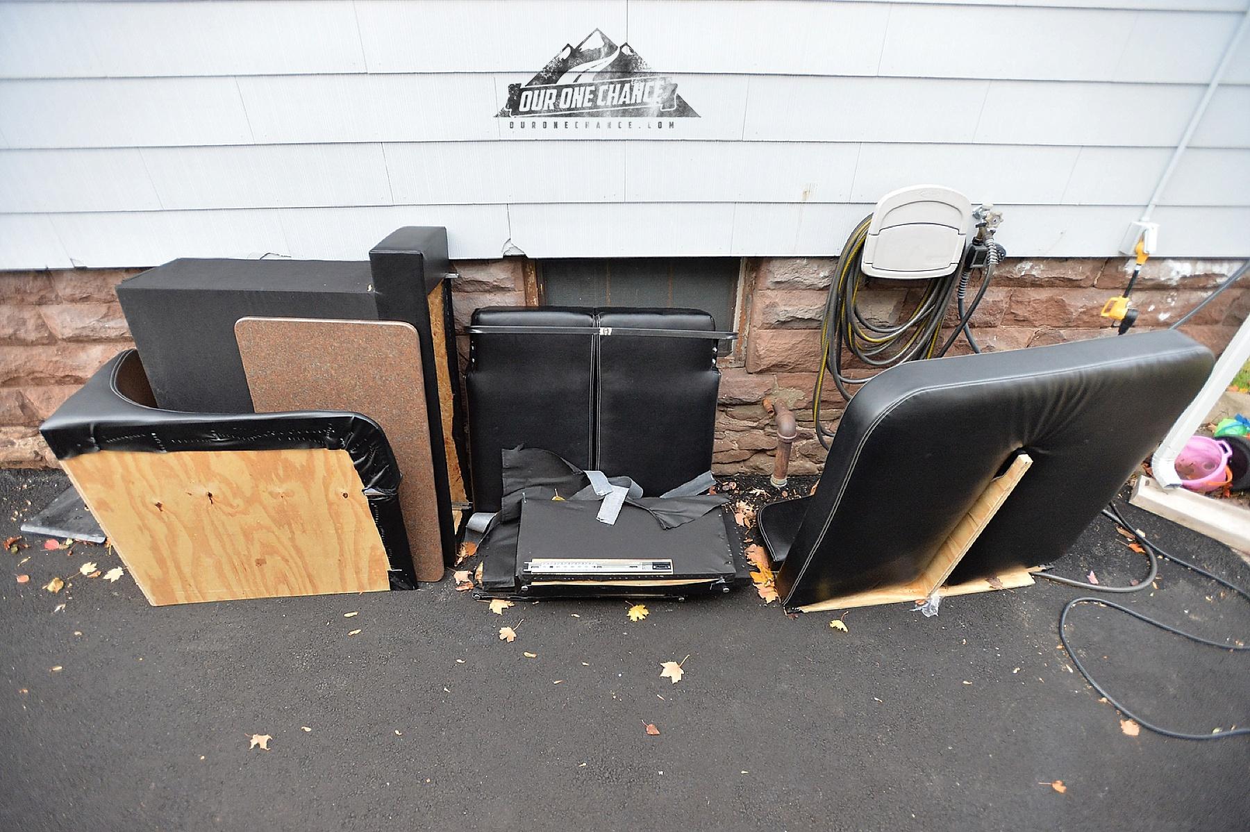 Bay Hill Fifth Wheel RV Living Room Remodel_0006